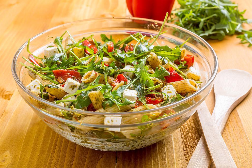 Brza salata s tjesteninom