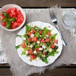 Salata od lubenice, feta sira i rikole