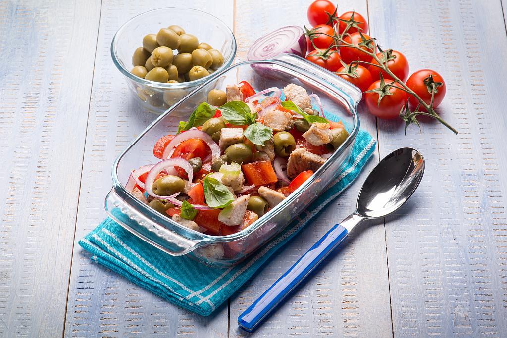 salata s tunjevinom