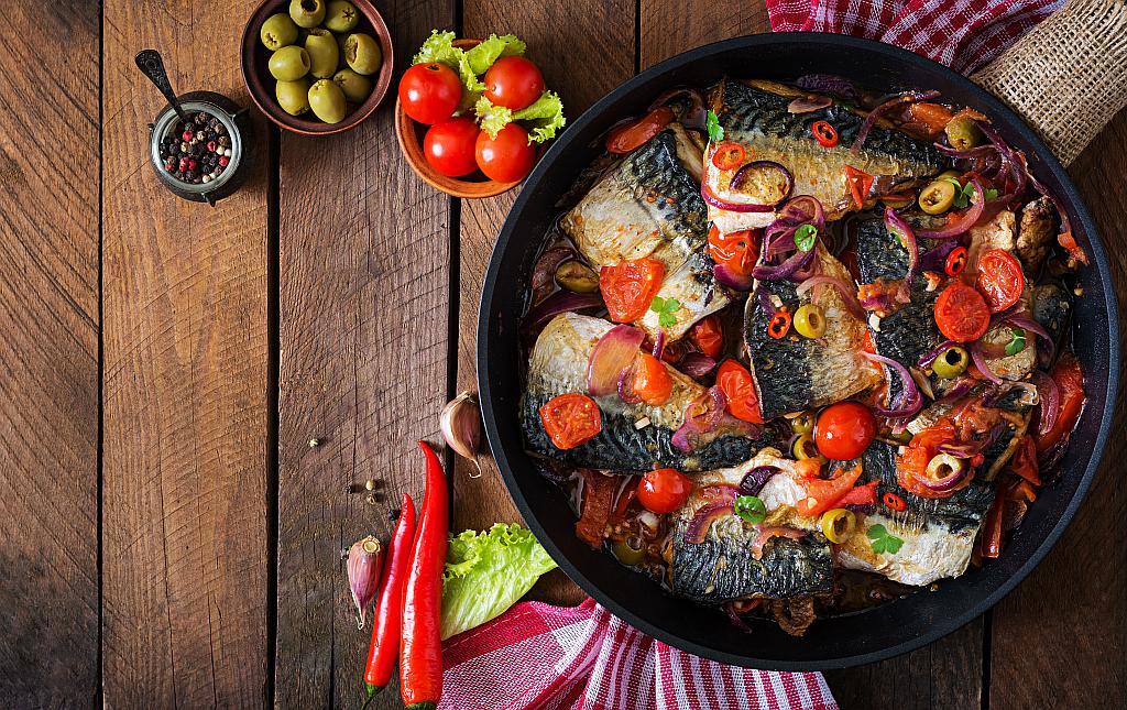 pečena skuša s povrćem